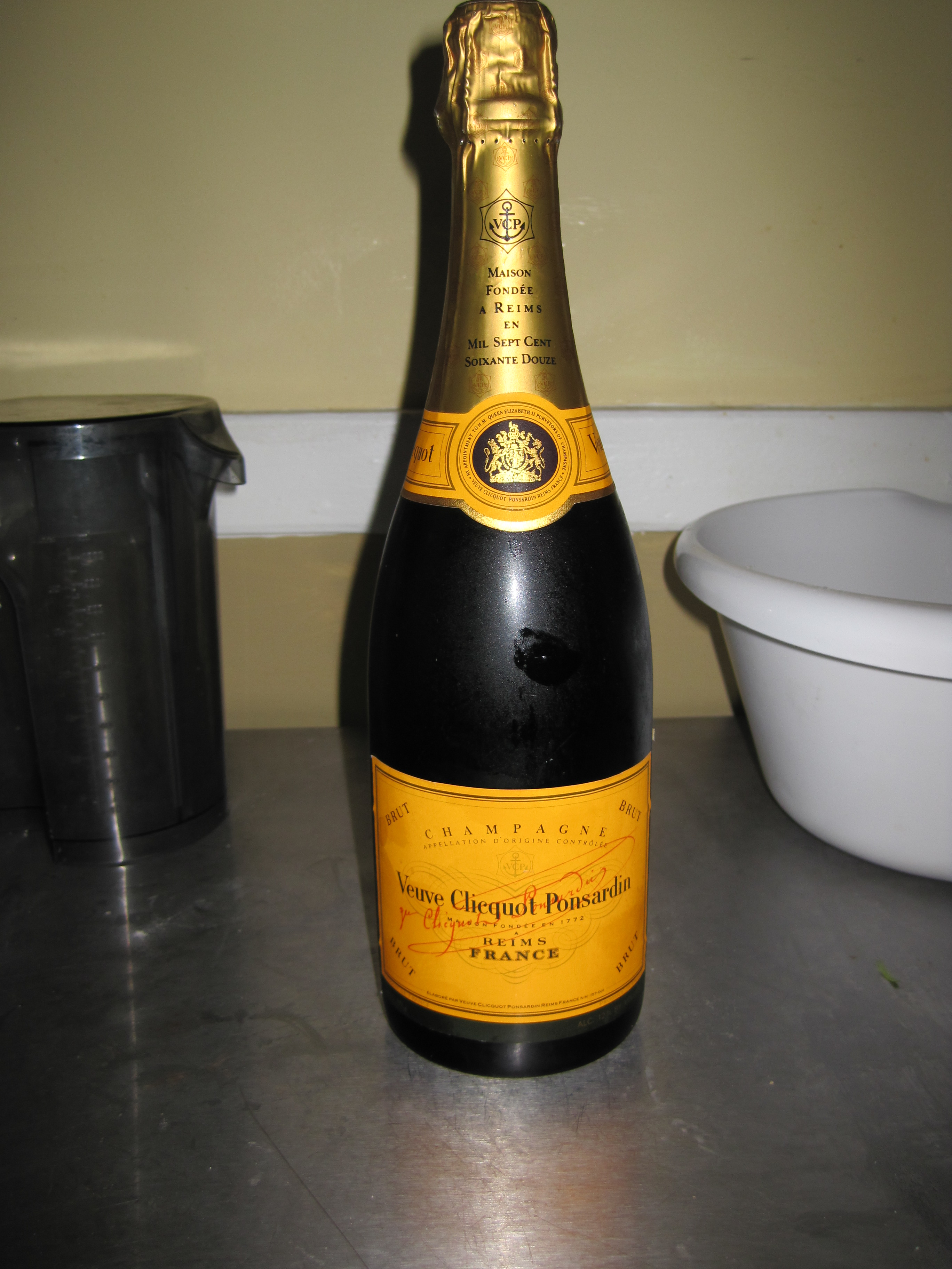 Mimosas and coq au champagne oui oui fashionably for How many mimosas per bottle of champagne